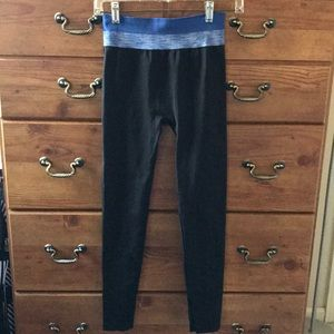 NWOT Aerie blue and black leggings small